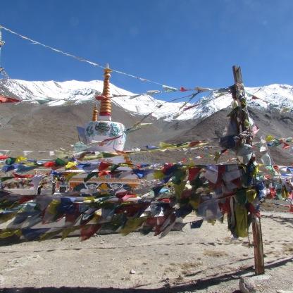 Chortens and prayer flags at Kunzum