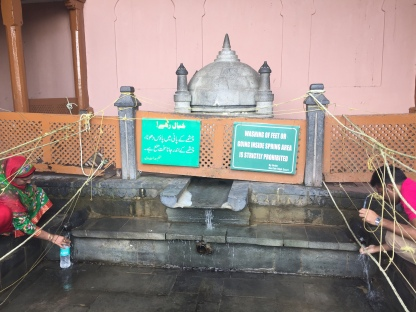 The place where the spring water is collected for drinking