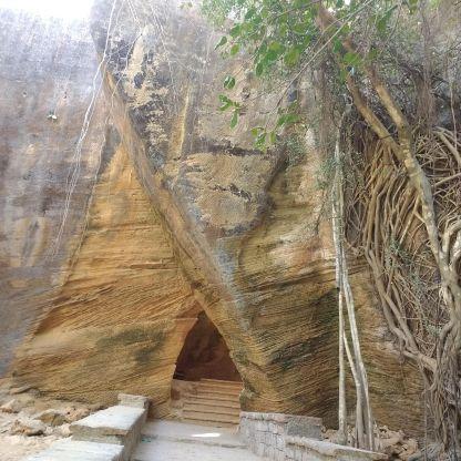 Naida cave entrance