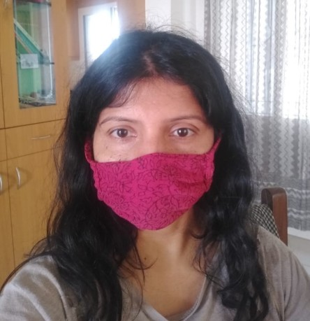 Another friend using my hand-stitched mask.
